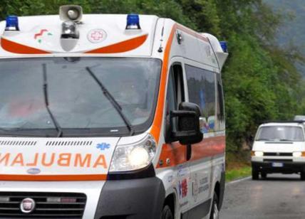 Tragedia a Prato, mamma 22enne muore stritolata. Fatale un rullo tessile