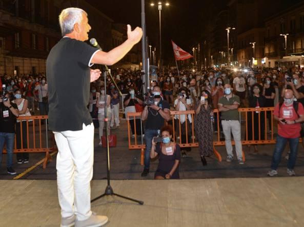 Nichi Vendola in piazza della Libertà, a Bari, nel settembre del 2020