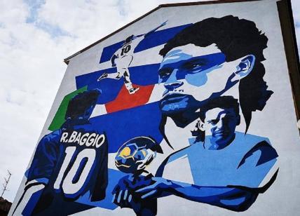 A Milano un maxi murale dedicato a Roberto Baggio. VIDEO