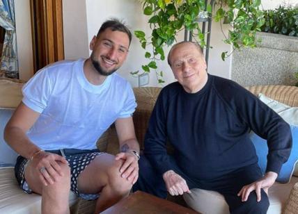 Gigi Donnarumma e Silvio Berlusconi: la foto insieme che fa discutere